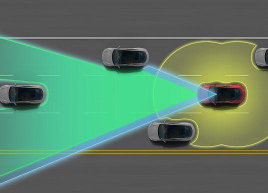 Vďaka systému Tesla Autopilot došlo k zníženiu nehodovosti o takmer 40 %