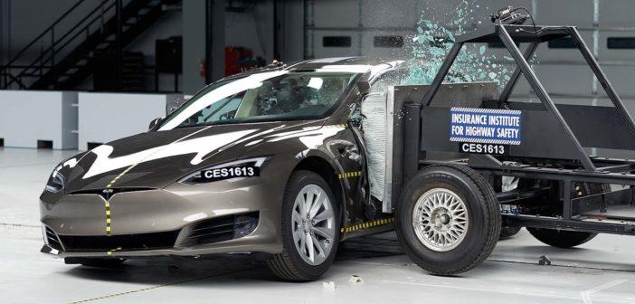 elektromobily hybridy bezpecnost crash testy