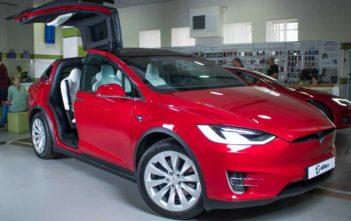 tesla alza elektromobily