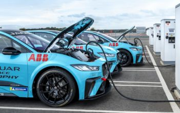 elektromobily motorsport jaguar