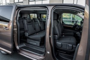 toyota proace verso electric interier
