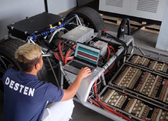 Desten sa chystá predstaviť batériu s 5-min nabíjaním v rámci roadshow